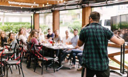Comment bien prendre la parole en public?