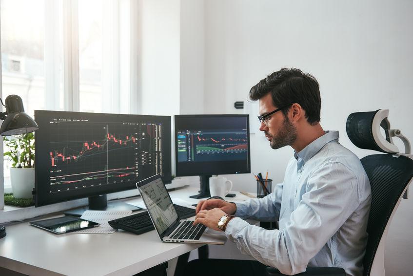 Investir en action en ligne: que faut-il savoir?